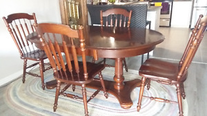 Dining room table with hutch for sale