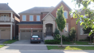 Very new and super clean 3200 squre feet house in Richmond Hill
