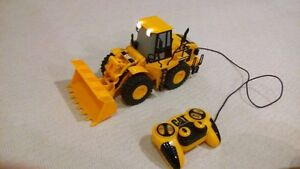 CAT Caterpillar Toy Front End Loader with Wired Remote Control