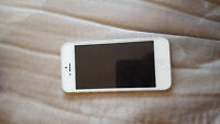 Silver iPhone 5 with rogers