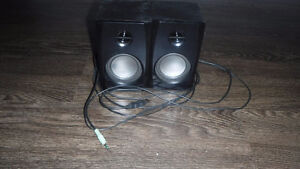 Computer Speakers work perfect and in great shape