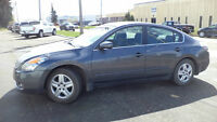 08 Altima - auto - 4dr - LOADED - ONLY 91,000KMS