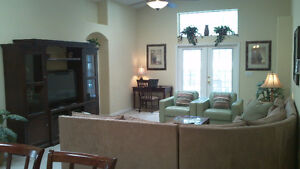 Disney Area 5 Bedroom Pool/Spa Vacation Home (Canadian Owner)