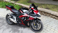 2006 GSX-R 750 Red & Black