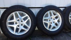 215 65 16 Michelin X-Ice Xi3 dodge caravan winter tires