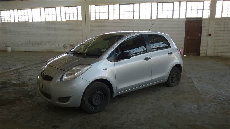 *** TOYOTA YARIS T3 HATCH STRIPPING FOR SPARES ***
