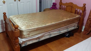 2 Beautiful Wooden Beds and 4 Mattresses for Sale