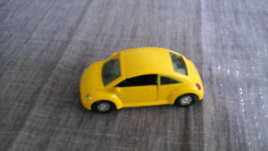 Welly Diecast Model - Yellow Love Bug VW Beetle