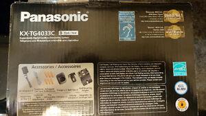 Panasonic Cordless Phone with 3 Handsets Kitchener / Waterloo Kitchener Area image 2