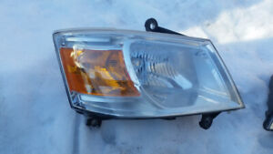 HEADLIGHT GRAND CARAVAN 2008-2010