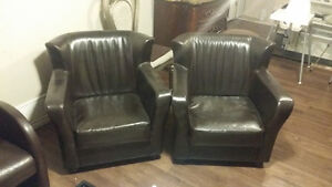 Set of brown bonded leather accent chair