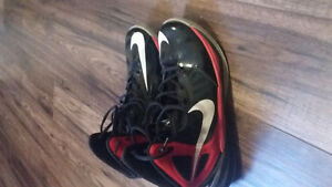 Basket ball shoes. Hyper dunk 2014 red and black edition