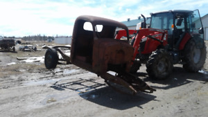 1940s truck cab, frame, rear end