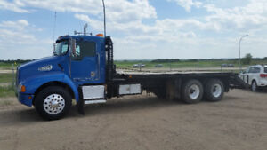 Kenworth T300 Flatdeck with Winch and Ramps