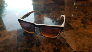 Beautiful brand new Spy Helm sunglasses