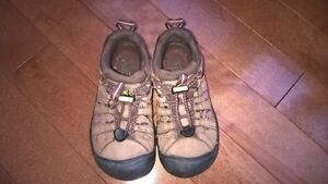 Keen waterproof girl's shoes size 11