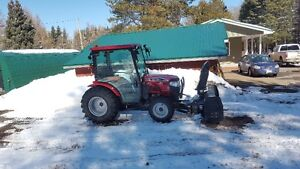 Must go....2014 Mahindra Tractor 4WD Loader