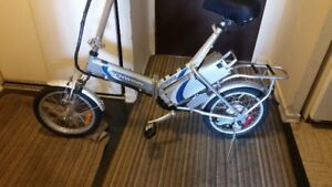 Like new!! Schwinn AL1020 ebike,new battery!!excellent condition