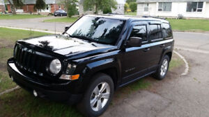 Great Rare SUV w/ low kms - 2013 Jeep  Patriot 5 Speed 4x4