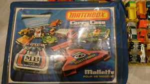 Hot Wheels / Matchbox with Carry case
