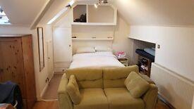 Spacious 2nd floor studio flat in Cricklewood