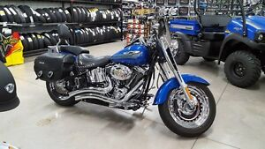 2007 Harley Davidson Fat boy low kms **Financing available oac**