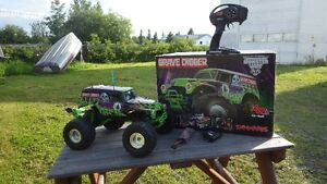RC Traxxas Summit & Grave Digger Prince George British Columbia image 2