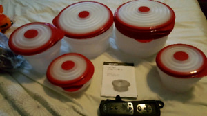 Tupperware stuffables set