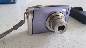 Fujifilm F40fd 8. 3mb camera. GREAT PICTURES.