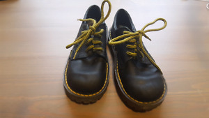 Youth Dr. Martens Sz 11