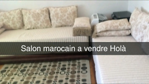 Salon Marocain avec plusieurs styles de tissus
