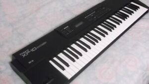 ROLAND XP-10 SYNTH