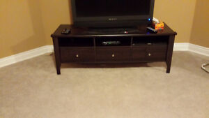TV stand--Good condition
