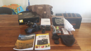 Nikon D7000 18-105 VR KIT Camera with lots of Extras