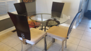 GUC Glass Table and 4 Chairs