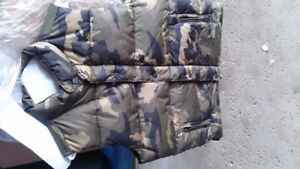 Camo men's vest....new...large size