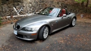 BMW Z3 2001 2.5L Standard. Rare silver and red leather. From USA