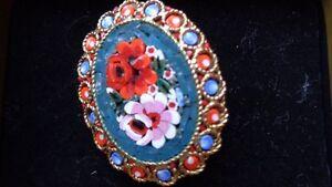 Jolie Broche artisanale faite en Italie
