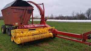 2015 NH fp240 forage harvester and disc for sale