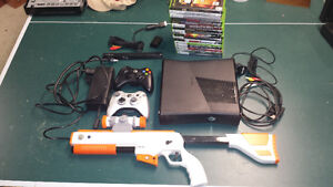 Xbox 360 S with 17 games and Gun - WIFI - 250GB