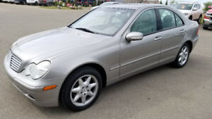 2003 Mercedes C320 4-Matic - Like New - WoW ! - Elegance Pkg