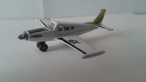 MATCHBOX-LESNEY SKYBUSTERS SB-19-PIPER COMANCHE VTG