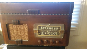 Vintage Marconi AM/Shortwave Radio with turntable