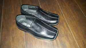 Boys dress shoes size 1 London Ontario image 1