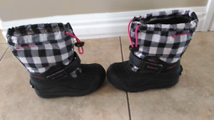 Girls Columbia Boots size 12