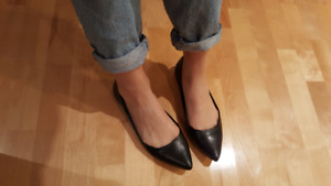 Black pointy flats Size 39 or 9