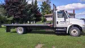 2002 international 4300 Automatic G licence OK,PRICED TO SELL Kitchener / Waterloo Kitchener Area image 3