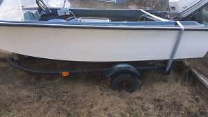 Boat trailer with free boat