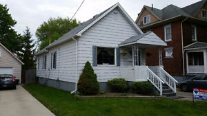 PERFECT STARTER OR INCOME PROPERTY- 118 COLLEGE ST