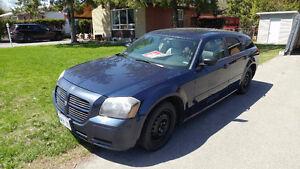 2005 Dodge Magnum Wagon $3000 or Best offer.